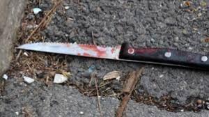 coltello-sporco-sangue