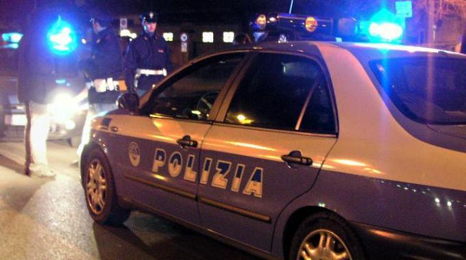 polizia-volante-controlli-di-notte