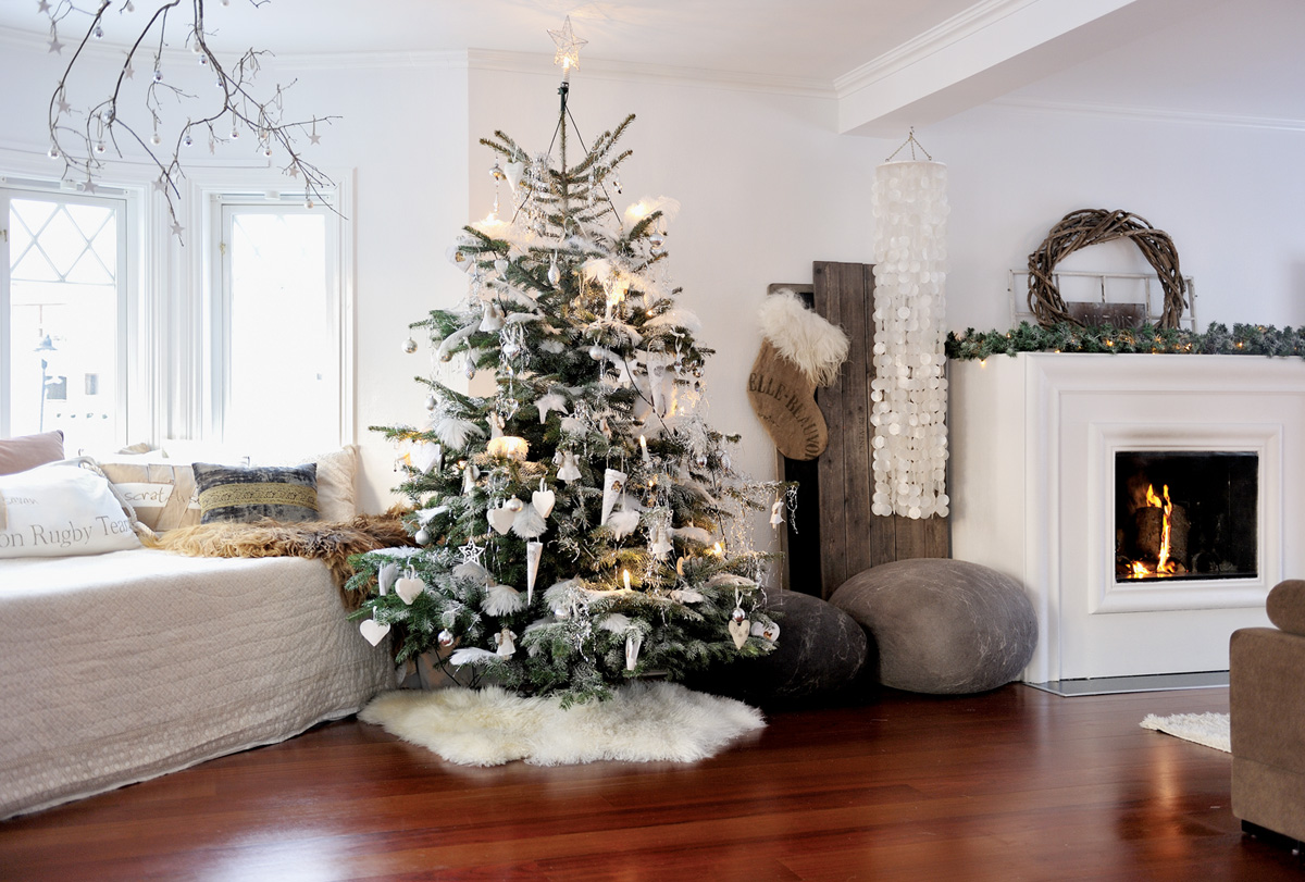 Decorazioni Natalizie Sul Camino.Piante Come Decorare La Casa Per Natale Il Caffe Quotidiano